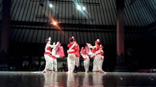 Download Lagu Tari Kolaborasi Medley Lagu Nusantara H.T.D Surakarta 2015 Gratis STAFABAND