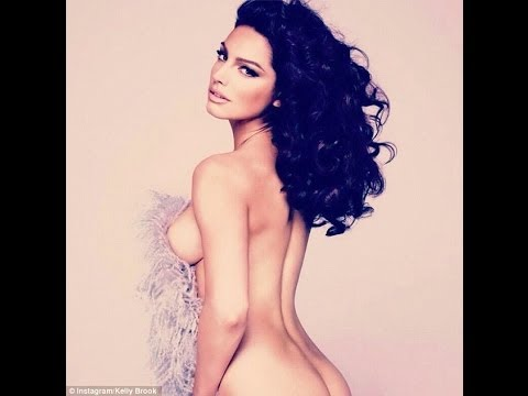 Kelly Brook gifts fans a nude photo of herself just in time for the big day