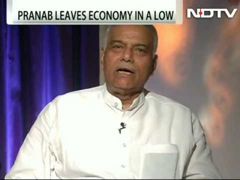Pranab is a resounding failure, says Yashwant Sinha