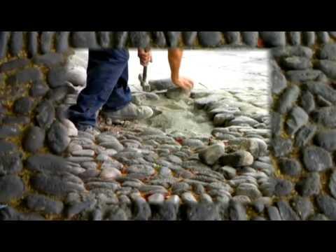 Pavimentos de piedra la piel del suelo youtube - Colocar piedra natural ...