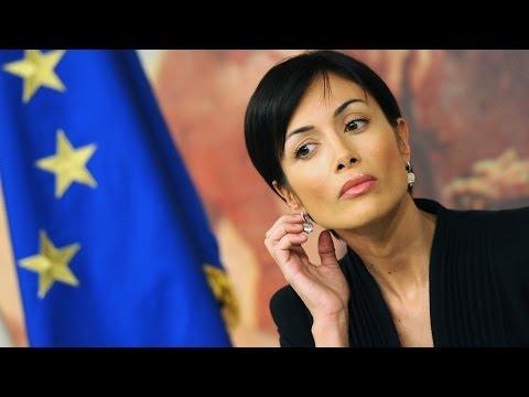Mara Carfagna Recita Brano di Serena Dandini – 25N Giornata contro Violenza a Donne