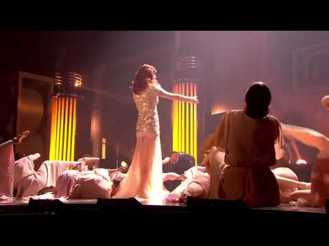 Florence & The Machine - No Light, No Light (Live at the Brit Awards 2012) HD