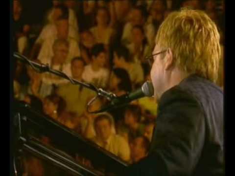 Elton John - Crocodile rock (Ephesus Amphitheatre)