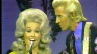 Watch Dolly Parton The Right Combination video