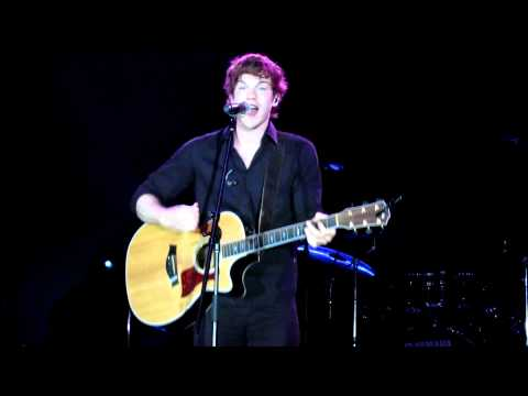 Under the Stars: Tanner Patrick - Pumped Up Kicks - Live in Singapore HD