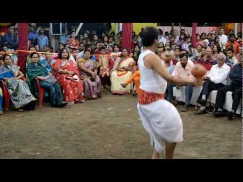Dhaker Tale Thakur Nache.. video