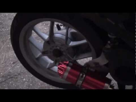 BROKEN EXHAUST COMPARE/REPAIR - Aprilia Sport City One 125