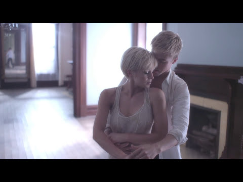 Kellie Pickler - Someone Somewhere Tonight (Official Video)