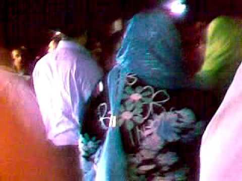 فتاة مصرية بصحبة ثري عربي تم ضبطهما يمارسان الجنس داخل سينما بالفيديو دنيا الوطن