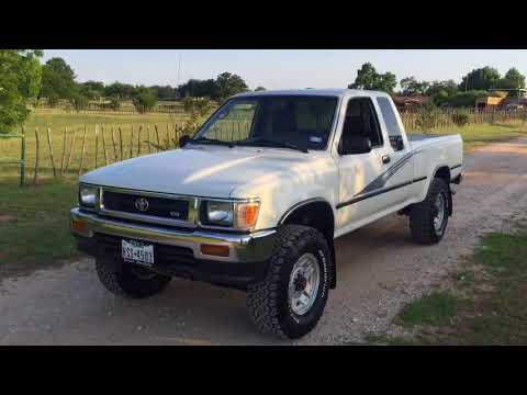 1993 Toyota Pickup Hilux 4WD Deluxe