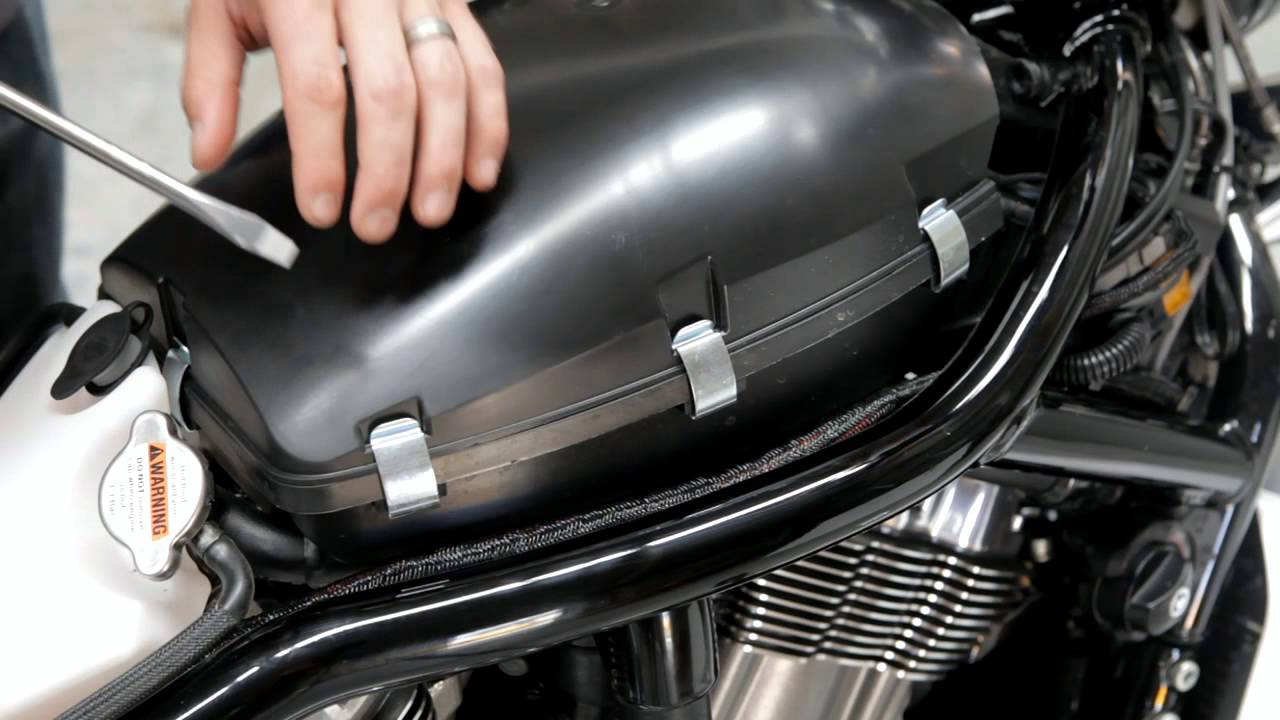 Hi-Flo Air Filter Installation on V-ROD Muscle - YouTube