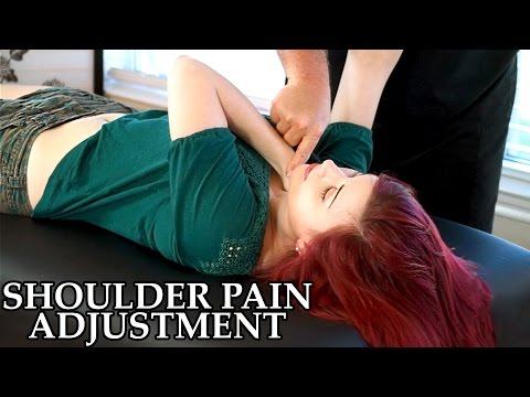 Chiropractic Adjustment for Shoulder Pain. Frozen Shoulder. Chiro. Pain Referral. Muscle Testing