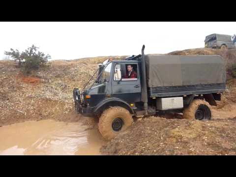 Having a play at Core 4X4 in Chichester. If you guys like this take a look at my other video through this link, Thanks! http://www.youtube.com/watch?v=5OlWTy...