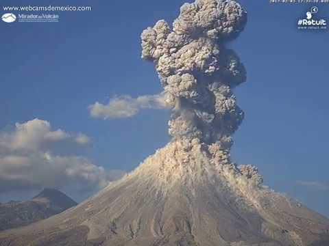 Volcán de Colima. Impresionante explosión del 3 febrero 2017 vista desde la Laguna de Carrizalillo