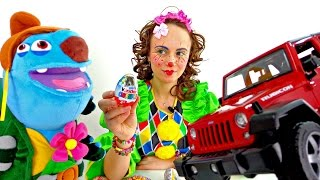 New funny clown videos for kids. Mary Clown and sweets.