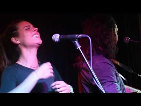 Fran Fernandez con Clara Alvarado - Déjame caer