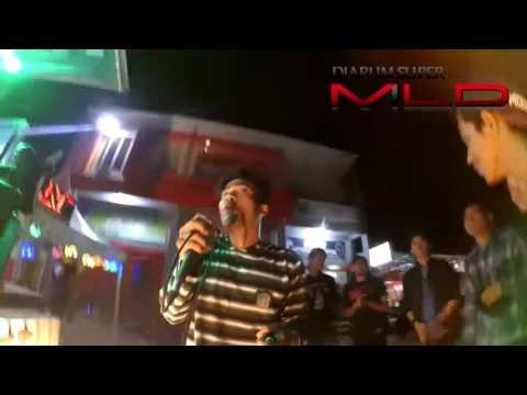 berenam akustik - tempe bongkrek (cover tony q)