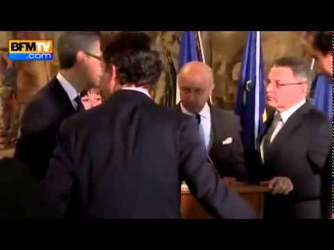 Laurent Fabius, le Ministre des Affaires étrangères complètement ivre