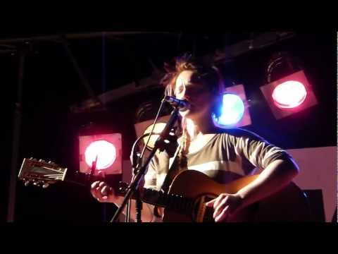 Wallis Bird - You are mine -live-solo-acoustic- SWR3 Singer-Songwriter-Festival 27.2.13 - Saarburg -