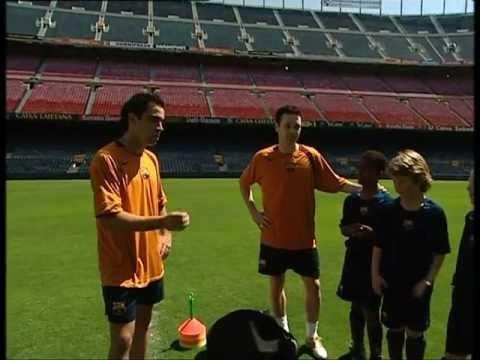 FC BARCELONA - XAVI & INIESTA SOCCER LESSONS (1/2)