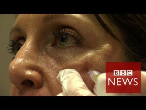 'Vampire facelift' in Hollywood prior to Oscars - BBC News