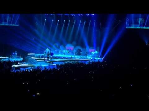 Lady GaGa - #artRAVE - Birmingham NIA - 15/10/14 - Intro & ArtPop