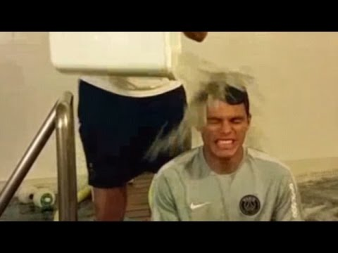 Thiago Silva Takes On The ALS 'Ice Bucket Challenge' !!