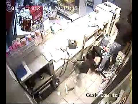 Bahrain: Looting and vandalising by regime loyalist on Shia businesses 25/01/2012