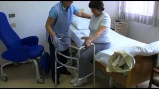Play mobilizzazione del paziente sul fianco - Mobilizzazione paziente emiplegico letto carrozzina ...