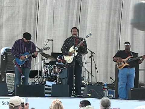 Chesapeake Bay Blues 09 Lonnie Brooks
