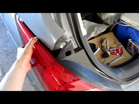 2007 Nissan Versa Brake Light Bulb Replacement