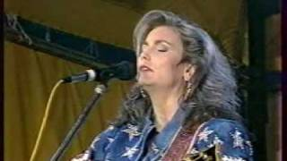 Emmylou Harris - The darkest hour is just before dawn