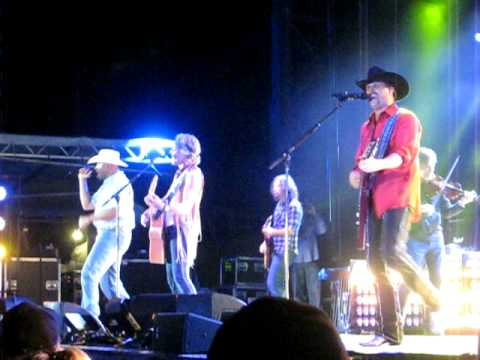 Cowboy Troy W  Big & Rich--i Play Chicken With The Train video