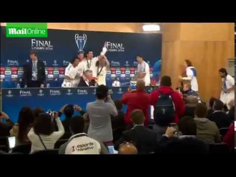 Ancelotti interview interrupted by Madrid players celebrating