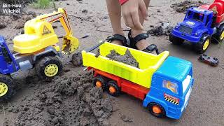 Trò chơi trẻ em- xe cẩu, máy xúc, xe tải xúc cát