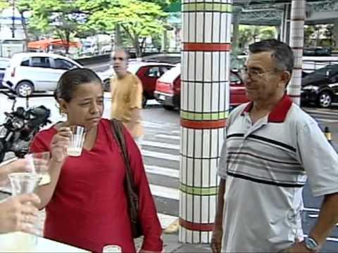 Programa Silvio Santos - Câmera Escondida: Leite Fresco do peito