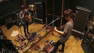 """森恵 - Loop Pedalを使用した""""Howl""""のリハーサル映像を公開 新譜「1985」2018年4月25日発売収録曲 thm Music info Clip"""