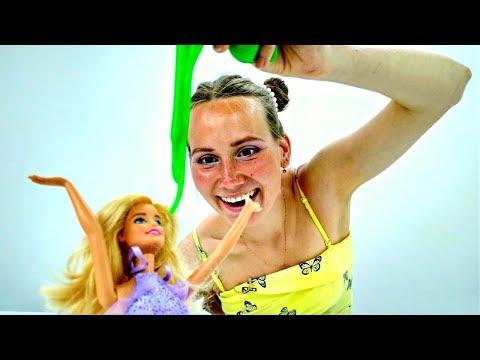 В Дом #БАРБИ попал МЕТЕОРИТ! СЛИЗЬ повсюду 😈 Мультик для Девочек / Видео с Куклами Barbie