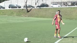 Video: Kĩ năng chuyền bóng tuyệt vời của Ronaldinho