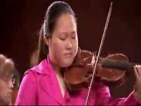 15 year old violinist plays Leclair