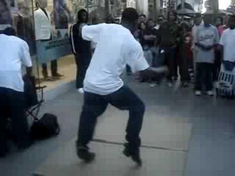Thumbnail of video JÓVENES NEGROS POSEÍDOS por el baile de San Vito