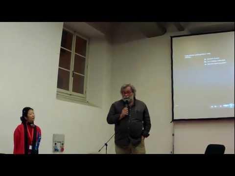 Pio d'Emilia a Firenze racconta come è il Giappone dopo lo tsunami e il disastro di Fukushima.