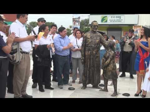 Develacion de monumento a Monseñor Romero