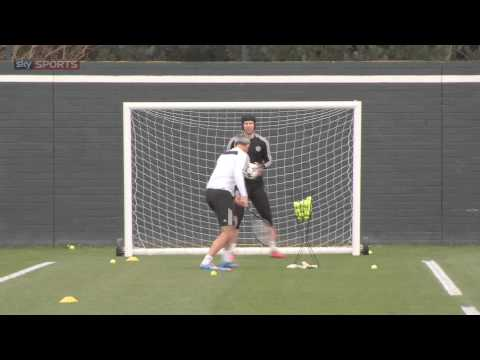 The ULTIMATE goalkeeping drill...with Petr Cech