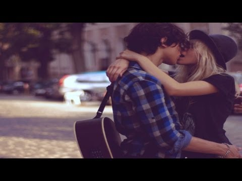 Taylor Swift & Harry Styles Spotted Kissing video