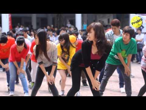 """FLASH MOB """"Gangnam style"""" chào K57 - Đại học Xây Dựng ( NUCE ) VIET NAM"""