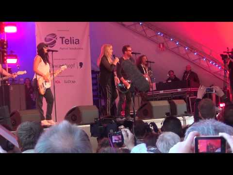 ESCKAZ live in Malmö: Bonnie Tyler (UK) - Believe In Me (Eurovillage)