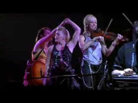 dixie-chicks-top-of-the-world-live-ginger