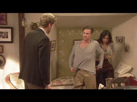 Puente Viejo C1040 - Mariana besa a Genaro y Nicolás les descubre