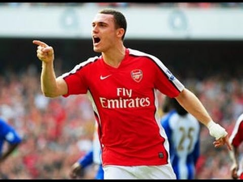 Manchester United F.C. Want Thomas Vermaelen, Hints Arsene Wenger